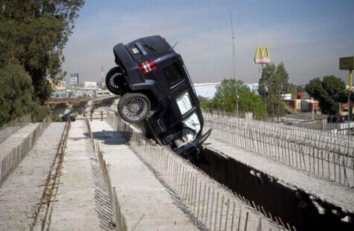 У них тоже внезапно начинают ремонт дороги, раздолбаи.рф