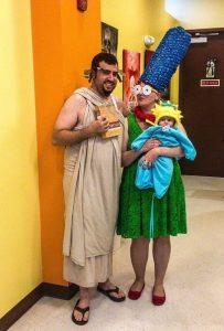 Она сказала одеться Гомером