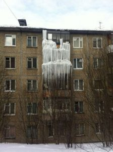 Закрыло балкон