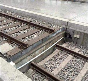 Ну поезд проедет